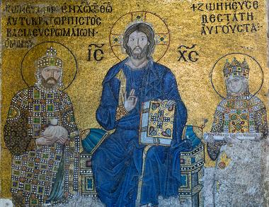 O Império Bizantino ergueu-se a partir do cristianismo, que se tornou a religião do Imperador Constantino *