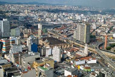 São Paulo forma a maior região metropolitana do Brasil