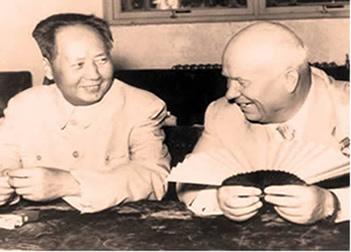 Khrushchev e Mao em uma das últimas reuniões que antecederam o rompimento entre chineses e soviéticos.