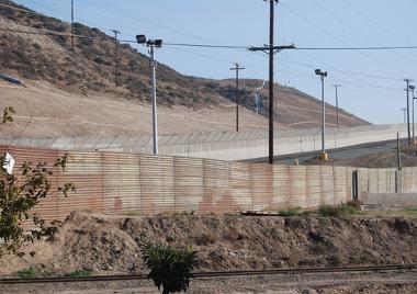 Área do Muro do México localizada entre Tijuana (MEX) e San Diego (EUA)