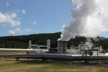 Usina geotérmica em operação