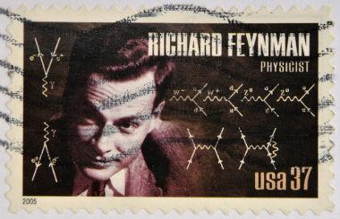 Richard Feynman desenvolveu importantes estudos sobre Eletrodinâmica Quântica e introduziu o conceito de Nanotecnologia *