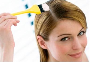 Por que a água oxigenada consegue descolorir o cabelo?