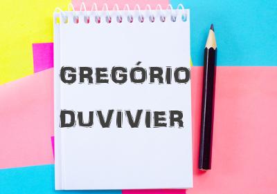 Gregório Duvivier é escritor, humorista e roteirista. Não há um lado desse rapaz que não vale a pena dar uma conferida.