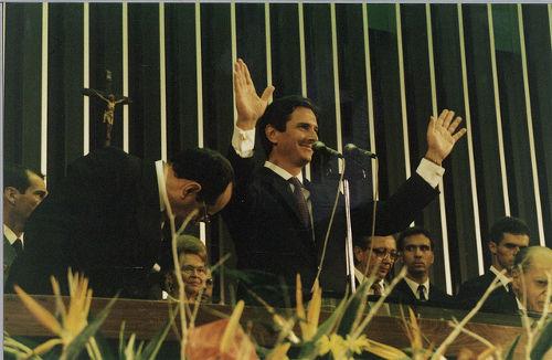 Collor foi o primeiro Presidente da República eleito pelo povo após o período do Regime Militar *