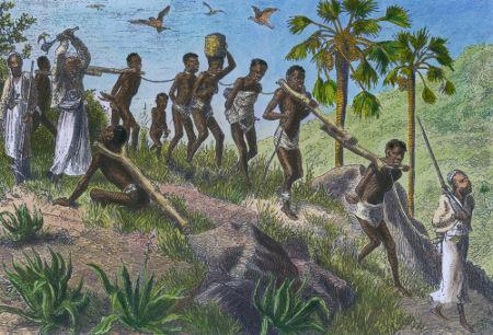Imagem retrata africanos aprisionados por europeus para serem utilizados como escravos, fato comum no século XIX
