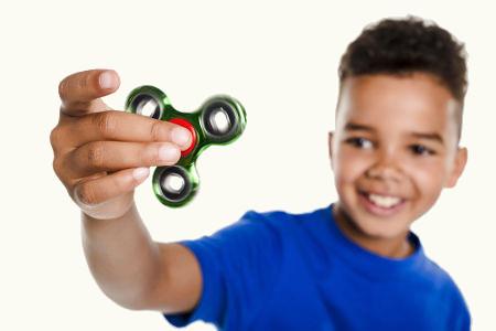 O Hand Spinner pode ser utilizado para auxiliar na concentração de crianças autistas