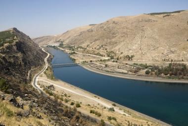 Rio Eufrates, na região de Anatólia, Turquia. A água é um dos recursos mais disputados no Oriente Médio