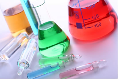 A concentração das soluções pode ser calculada em termos de quantidade de matéria em mol por volume da solução