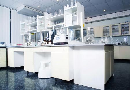Métodos de separação de misturas são muito empregados em laboratórios de Química