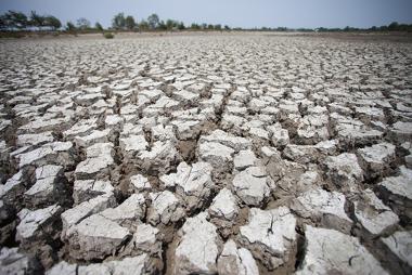 A escassez hídrica é causada por uma série de fatores que poderiam ser evitados
