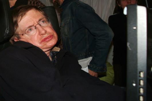 Stephen Hawking surpreendeu os médicos e viveu mais de 50 anos com a doença*