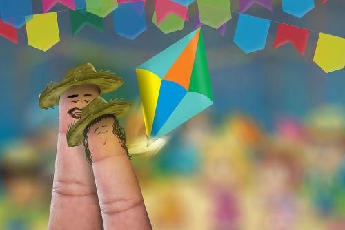 As festas juninas proporcionam a ocasião para muitas simpatias e crendices populares