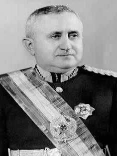 O general Dutra, cujo governo foi o primeiro depois do Estado Novo, atuou no sentido de abrir a economia ao capital estrangeiro