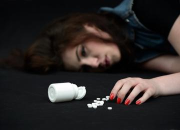 O uso excessivo de medicamentos pode levar à morte por overdose