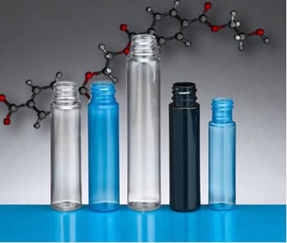 O poliéster mais conhecido é o polímero PET