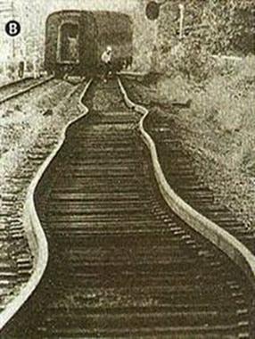 Com o aumento da temperatura, os trilhos de ferro sofrem um aumento em seu comprimento
