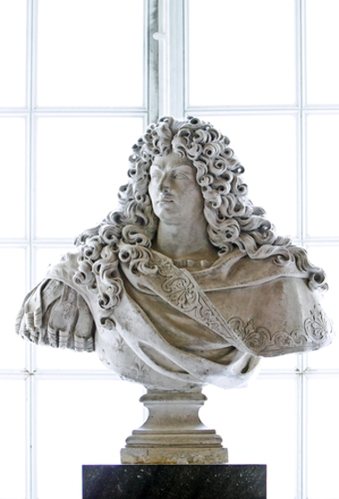 Luís XIV (1638-1715), rei da França e símbolo do Estado Absolutista