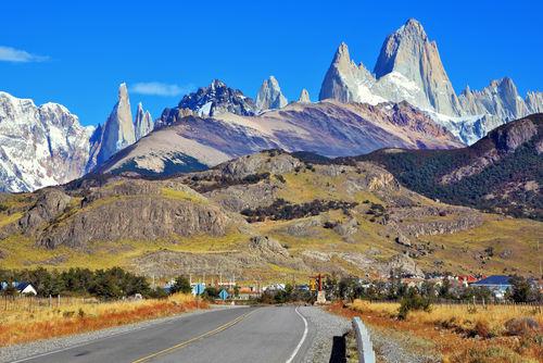 A Cordilheira dos Andes, situada na América do Sul, é um exemplo de dobramento moderno