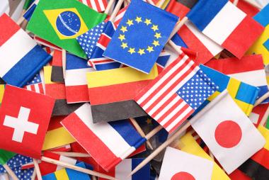 As bandeiras são representações dos Estados, mas também podem ser criadas por nações