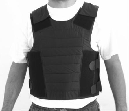 Colete de proteção contra balas feito com polímero Kevlar capaz de suportar disparos com projéteis de calibre de até cerca de 9 cm