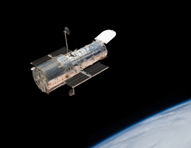 O telescópio Hubble foi lançado em 1990 e até hoje é utilizado para observações do Universo