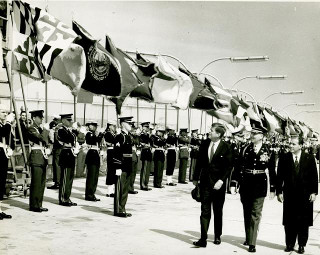 João Goulart com John F. Kennedy, em 1962. As Reformas de Base desagradavam aos que queriam aproximação com os EUA