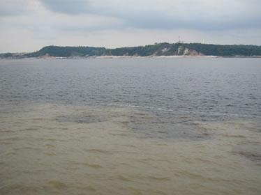 Encontro das águas do Rio Solimões com o Rio Negro