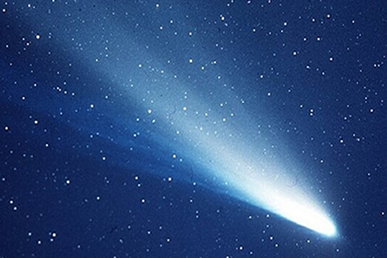 Um cometa de 100.000 kg de massa possui uma quantidade de movimento de 4,5 x 109 kg.m/s