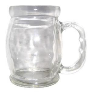 O vidro é feito a partir de um mineral não-metálico, a areia.