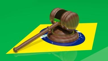 As privatizações ocorreram no Brasil durante a década de 1990, quando vários leilões de empresas públicas foram realizados