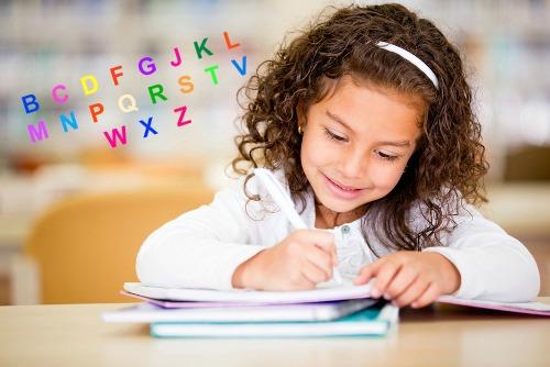 Consoantes são fonemas que resultam da passagem do ar que sai dos pulmões pela boca/nariz e encontram obstáculos para serem pronunciados