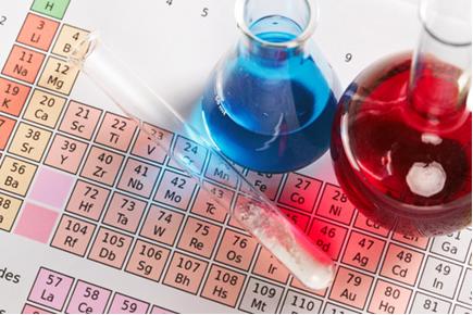 A organização dos elementos na Tabela Periódica facilita em muito o estudo das suas propriedades