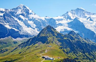 Os Alpes suíços, exemplo de cadeia montanhosa