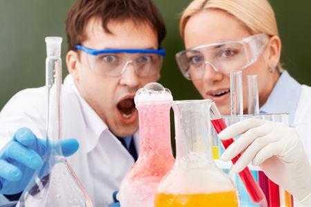 O cálculo que envolve excesso pode evitar desperdícios em reações químicas