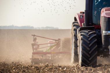 A evolução das técnicas agrícola gerou efeitos sobre o campo e sobre as cidades