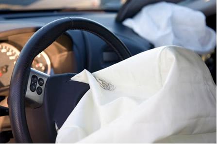 Conheça as reações químcias envolvidas no funcionamento dos airbags