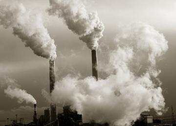 A poluição é um exemplo de impacto ambiental negativo