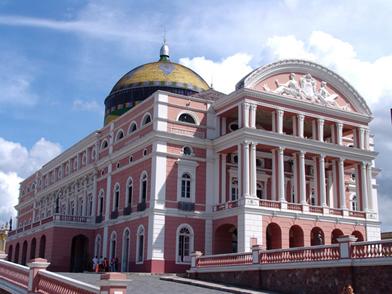 O Teatro Amazonas é um dos símbolos da urbanização e modernização causados pelo ciclo da borracha