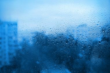 Cena comum em áreas frias com bastante umidade, em que o vapor facilmente se condensa