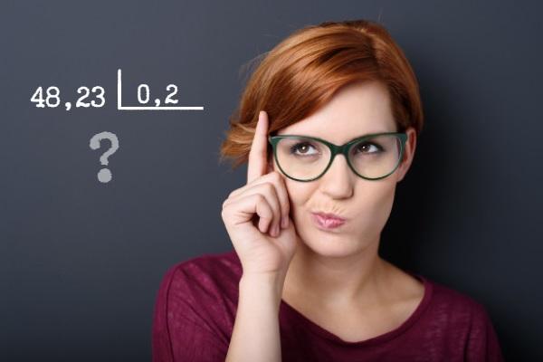 É possível utilizar uma técnica para resolver divisões com números decimais
