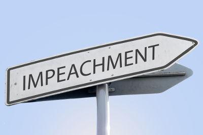 Impeachment é o nome que se dá a um processo de afastamento de um chefe de Estado do poder político
