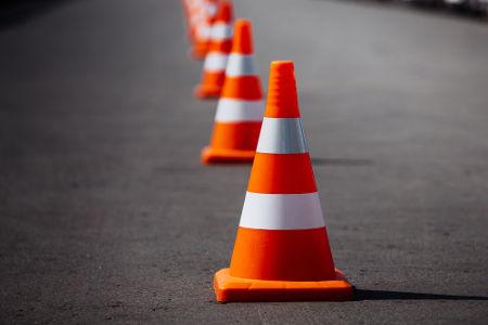 Cone usado no trânsito tem o mesmo formato de um cone definido na Geometria