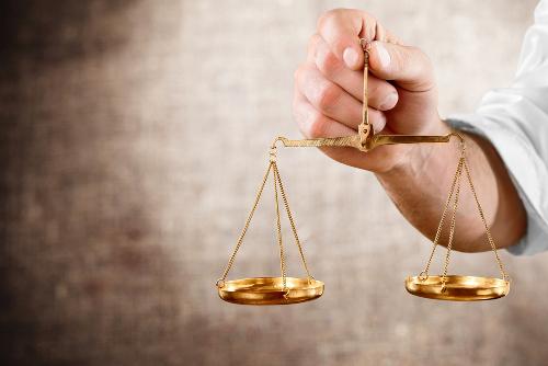 Os cálculos que envolvem a Lei de Lavoisier abordam a igualdade de massas