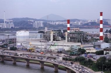 Indústria localizada em Seul, na Coreia do Sul. Este país representa um dos exemplos mais claros de formação dos NIC