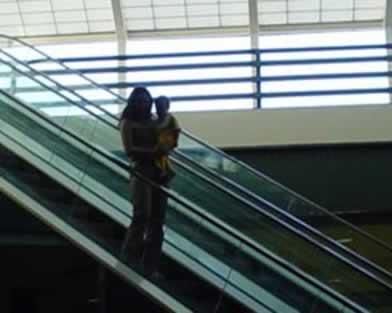 O movimento da escada rolante é um movimento uniforme.