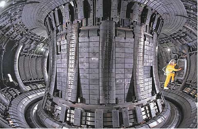 Visão interna de um reator de fusão termonuclear