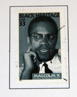 Malcolm X, filho de um ministro batista, converteu-se ao Islã enquanto esteve na prisão*
