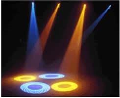 Raios de luz se propagando em linha reta