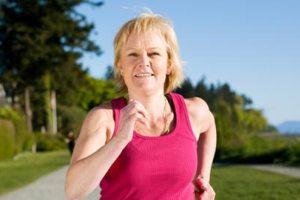 A prática de exercícios é uma grande aliada na redução dos<br>sintomas do climatério e no aumento da qualidade de vida da mulher.